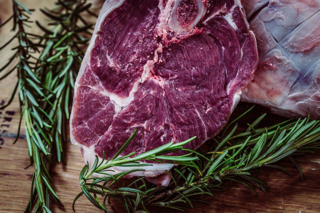 Die Wurst und Fleisch Auswahl von der Metzgerei Hörmann Wurst in Rehling ist sehr groß und hat viel zu bieten.
